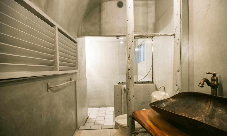 Washroom / Bathroom / Toilet